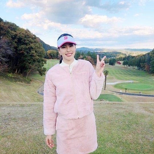 阿部桃子ちゃんがキスオンザグリーンのウェアを素敵に着こなしてくれました😍